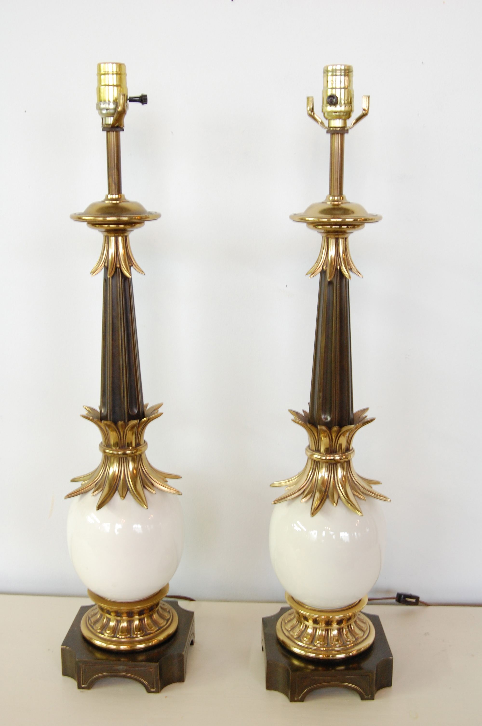 Hollywood Regency Ostrich Egg Lamps By Stiffel Pair The
