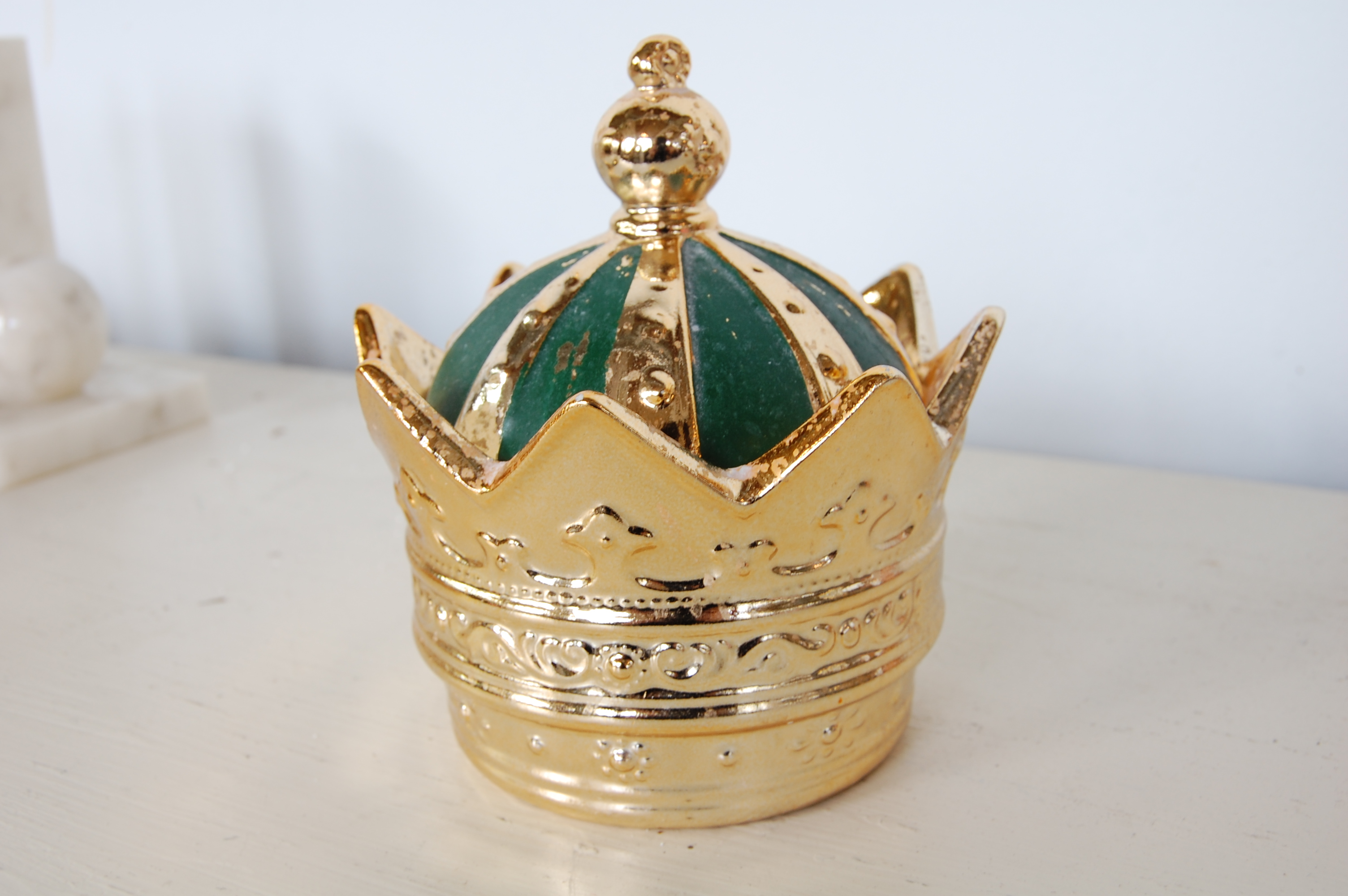 Vintage Gold Amp Emerald Ceramic Crown Container The Savoy