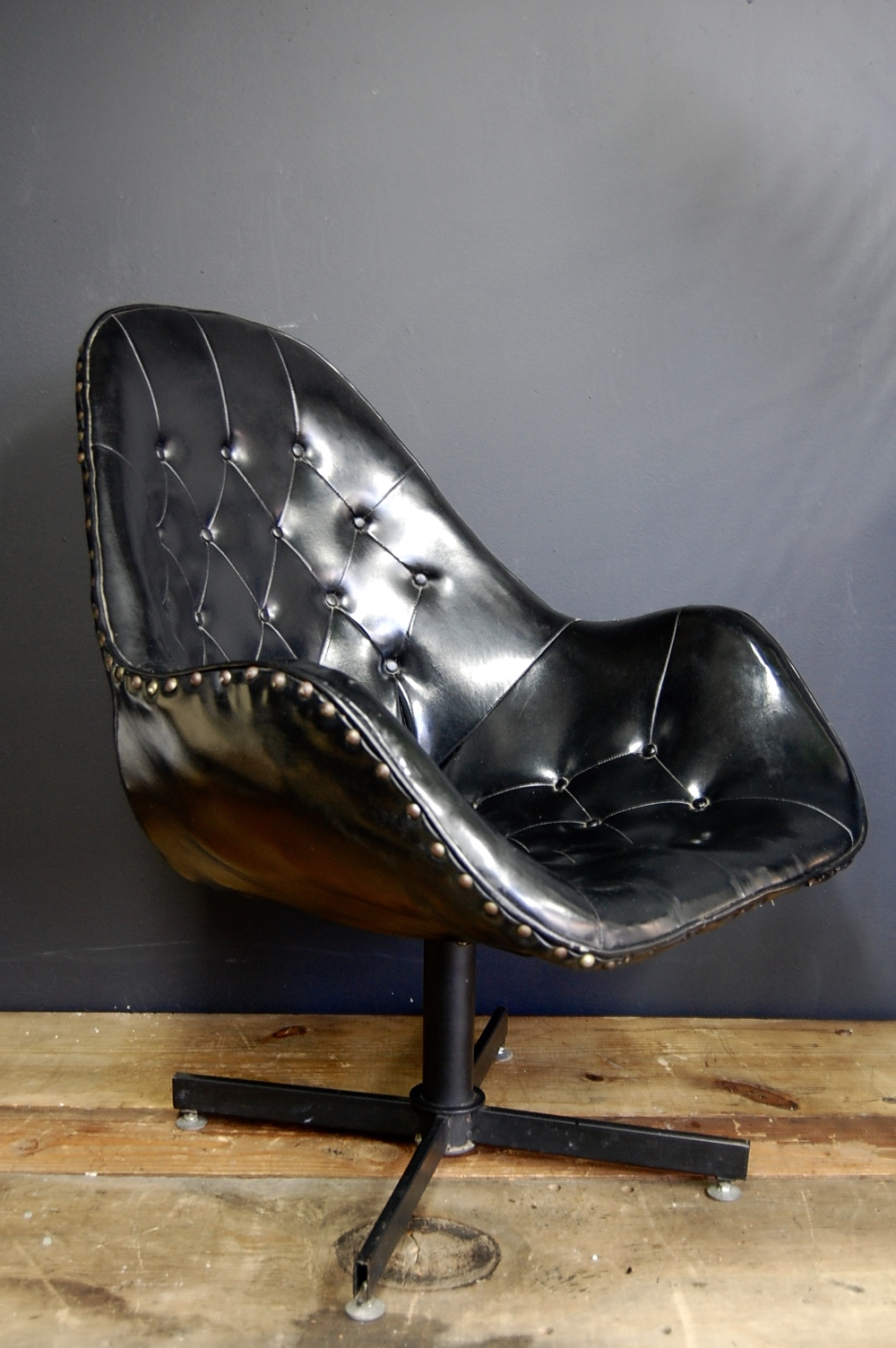 Mid Century Modern Tufted Black Swivel Chair The Savoy Flea